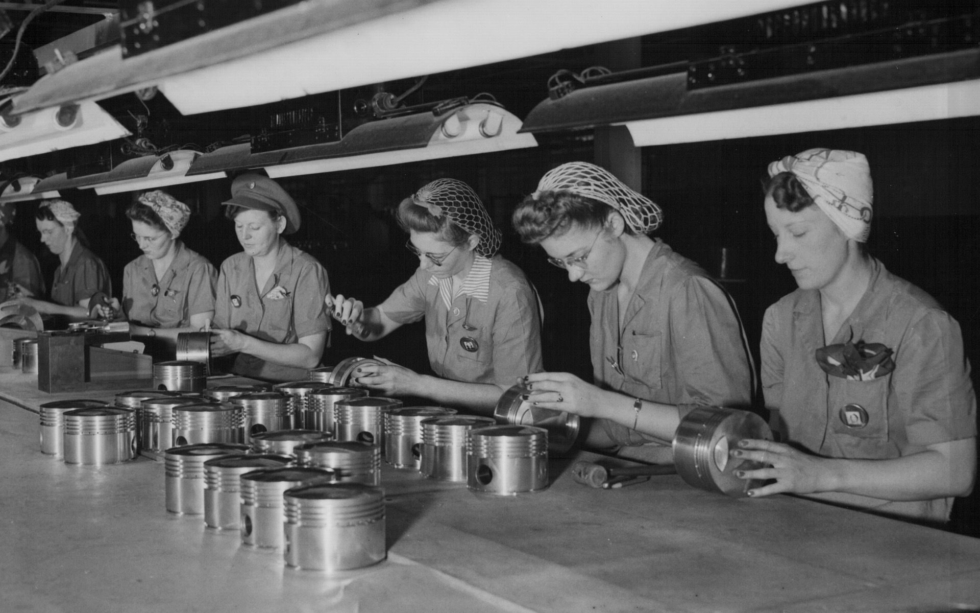 Hundreds of women were hired to assemble and finish parts for the Pratt & Whitney R-2800 18-cylinder air-cooled aircraft engine during World War II. Most of them had to relinquish their positions when servicemen returned to their old jobs at the plant after the war ended. Courtesy Brian McMahon