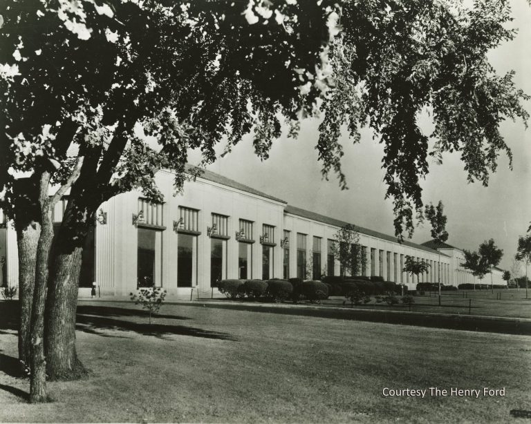 The Twin Cities Assembly Plant was designed by the noted industrial architect Albert Kahn, who had designed dozens of other facilities for Henry Ford and other clients. He developed a new style of construction in which the extensive use of reinforced concrete allowed large, unobstructed interior spaces, perfectly suited to the new assembly line process. Courtesy The Henry Ford.
